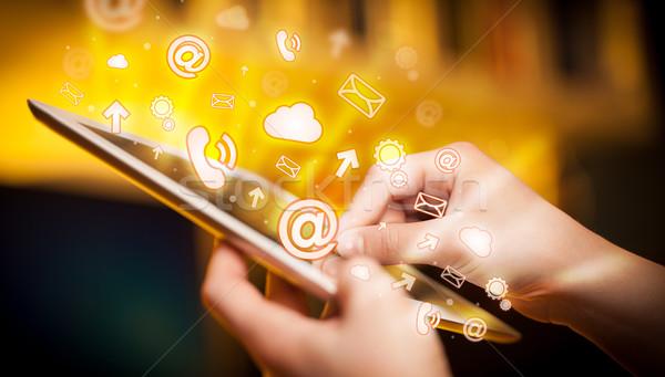 ストックフォト: 手 · 触れる · ソーシャルメディア · 指 · ポインティング