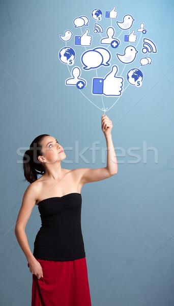 Foto d'archivio: Pretty · woman · sociale · icona · pallone · giovani