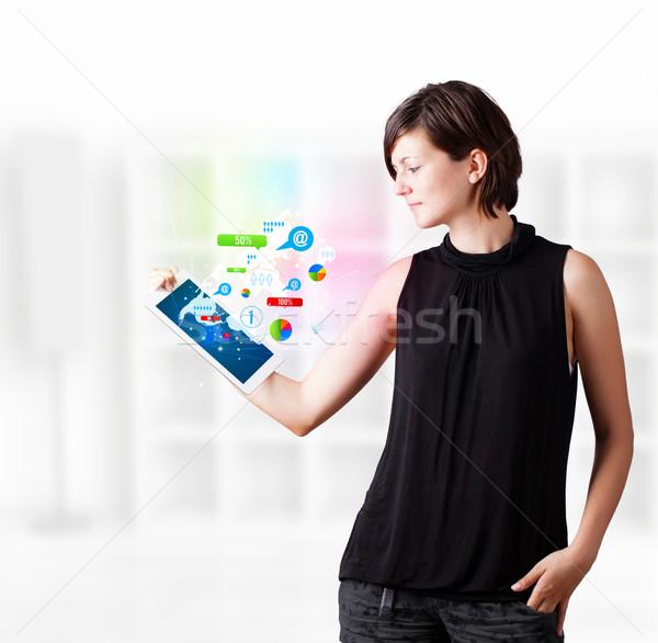 ストックフォト: 小さな · ビジネス女性 · 見える · 現代 · タブレット · カラフル