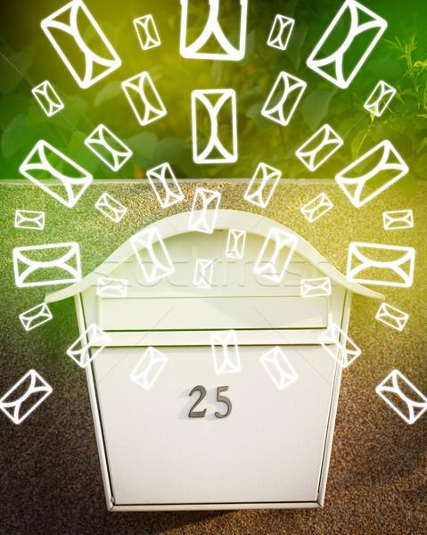 Mailbox lettera icone verde carta Foto d'archivio © ra2studio