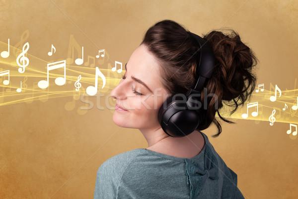 Auriculares escuchar música bastante notas música Foto stock © ra2studio