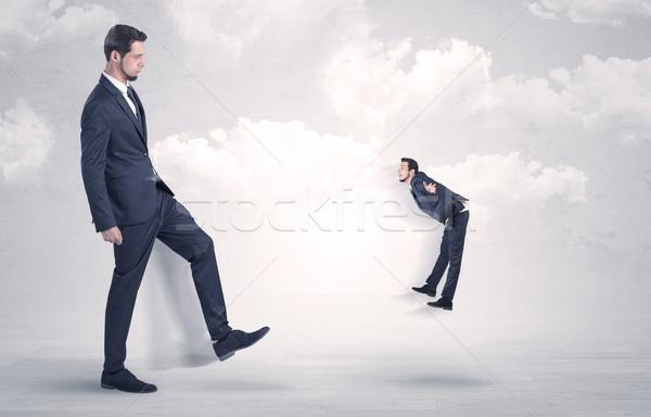 Nagy főnök rúg kicsi alkalmazott üzletemberek Stock fotó © ra2studio
