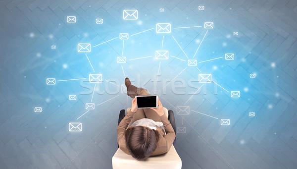 Mail symbolen vrouw beige stoel Stockfoto © ra2studio