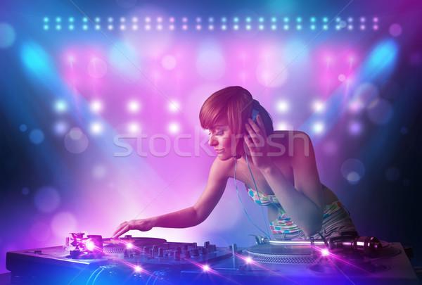 Discotecário música toca-discos etapa luzes bastante Foto stock © ra2studio