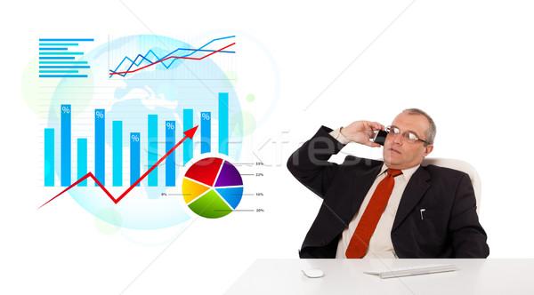Zakenman vergadering bureau statistiek telefoongesprek Stockfoto © ra2studio
