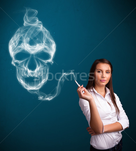 Fumar peligroso cigarrillo tóxico cráneo Foto stock © ra2studio