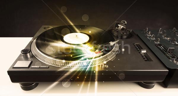 Reproductor de música jugando vinilo brillo líneas necesidad Foto stock © ra2studio
