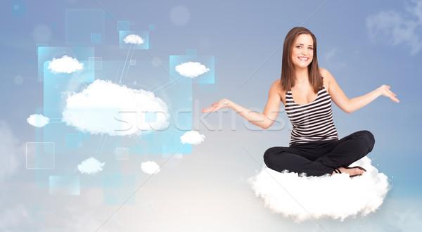 Gelukkig meisje naar moderne cloud-netwerk gelukkig jong meisje Stockfoto © ra2studio