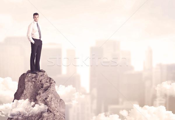Empresario peligroso acantilado profesional ganador Foto stock © ra2studio