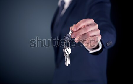 ストックフォト: 若い男 · 手 · キー · 小さな · ビジネスマン · 空っぽ