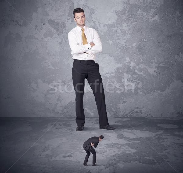 Groot baas naar collega boos Stockfoto © ra2studio
