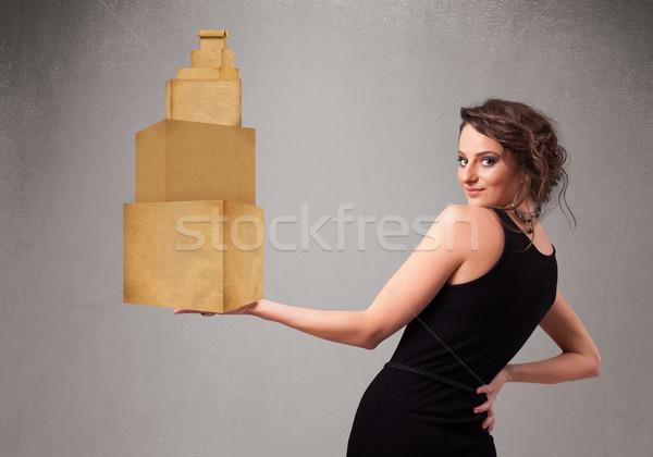 Jeunes dame brun carton Photo stock © ra2studio