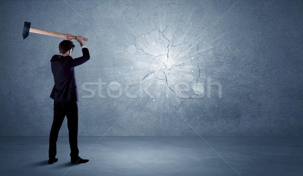 Homme d'affaires mur marteau affaires bureau Photo stock © ra2studio