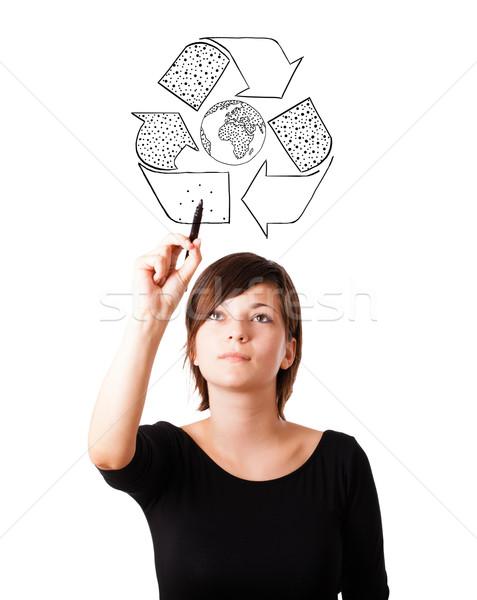 Foto stock: Mulher · jovem · desenho · reciclar · globo · isolado