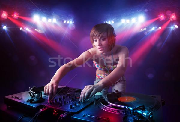 Zdjęcia stock: Nastolatek · rekordy · tłum · etapie · dziewczyna · strony