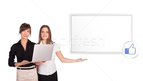 Stock fotó: Fiatal · nők · bemutat · modern · copy · space · izolált · fehér