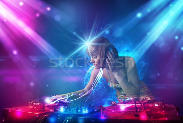 Energetische Mädchen Musik mächtig Lichteffekte Party Stock foto © ra2studio