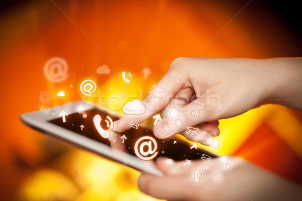 Hand aanraken social media vinger wijzend Stockfoto © ra2studio
