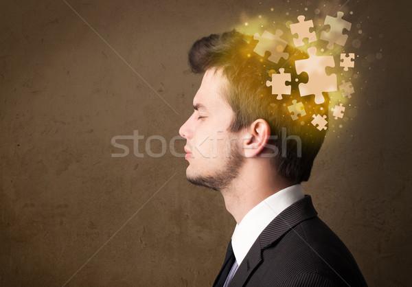 Jóvenes persona pensando rompecabezas mente Foto stock © ra2studio