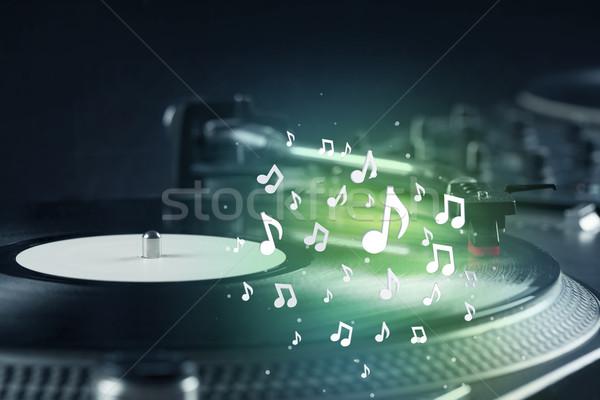Turntable jouer musique audio note Photo stock © ra2studio