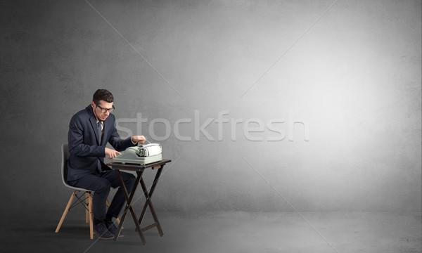 Uomo lavoro macchina da scrivere business lavoro Foto d'archivio © ra2studio