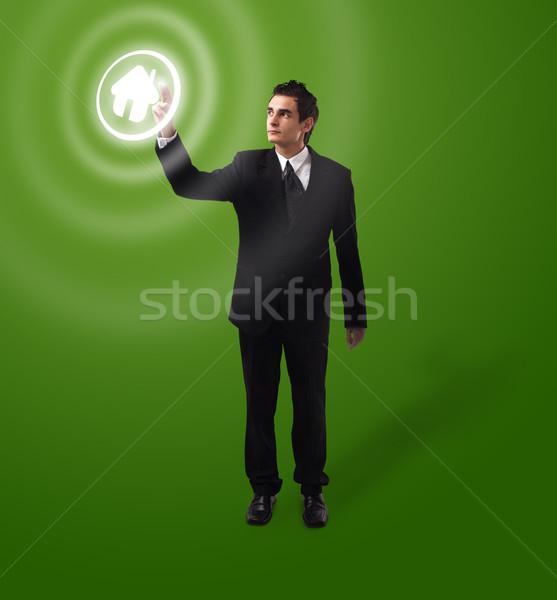 üzletember kisajtolás gomb otthon futurisztikus digitális technológia Stock fotó © ra2studio