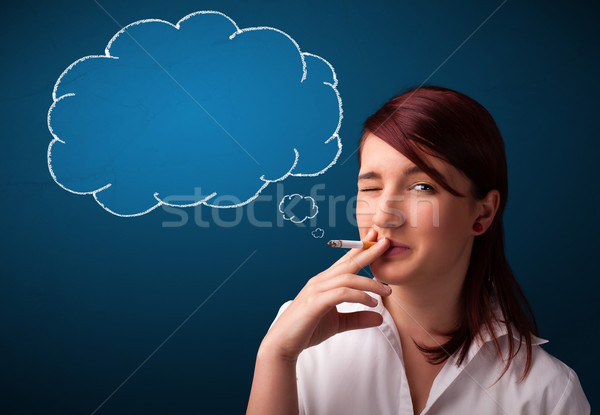Foto stock: Hermosa · dama · fumar · cigarrillo · idea · nube