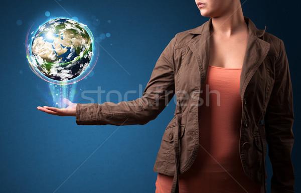 Stockfoto: Vrouw · aarde · wereldbol · jonge · vrouw