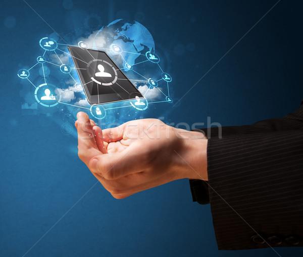 Felhő technológia kéz üzletember bemutat pálma Stock fotó © ra2studio