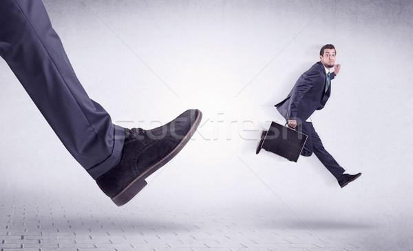 Stok fotoğraf: Genç · işçi · dışarı · büyük · ayak · küçük
