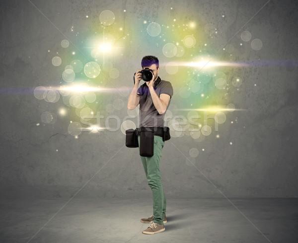 Fotógrafo luzes jovem amador profissional Foto stock © ra2studio