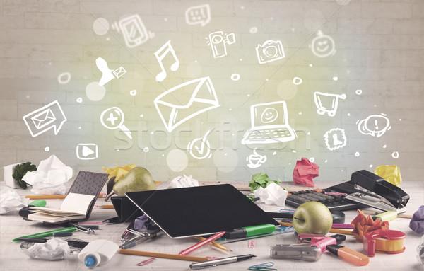 связи иконки онлайн Сток-фото © ra2studio