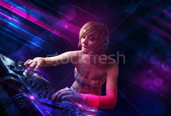 Stok fotoğraf: Genç · oynama · turntable · renk · ışık · efektleri · güzel