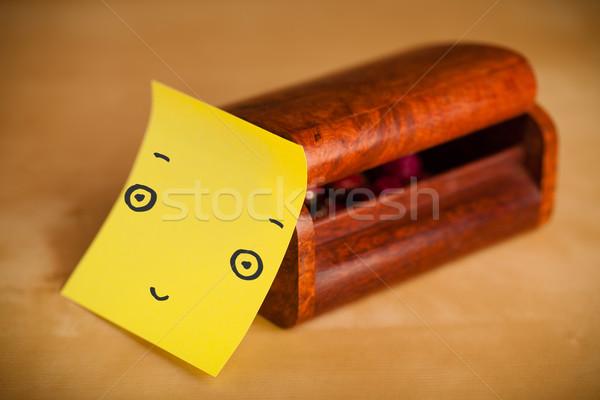 Nota cara sonriente joyas cuadro papel Foto stock © ra2studio