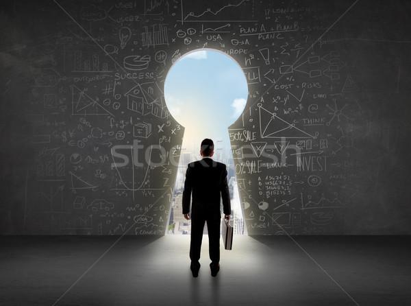Geschäftsmann schauen Schlüsselloch hellen Stadtbild Business Stock foto © ra2studio