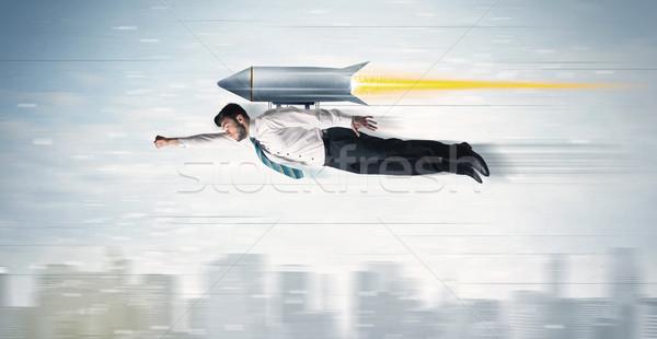 Zakenman vliegen jet pack raket Stockfoto © ra2studio