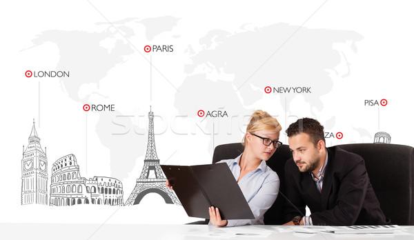 Stockfoto: Jonge · zakenman · zakenvrouw · wereldkaart · wereld · business