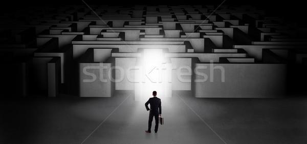 失わ ビジネスマン 立って 迷路 入り口 ストックフォト © ra2studio
