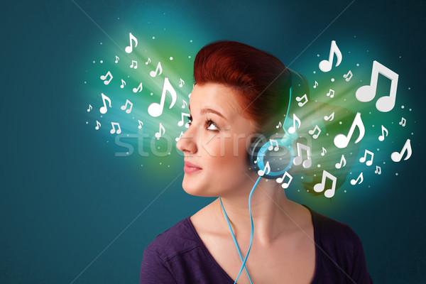 Cuffie ascoltare musica bella note Foto d'archivio © ra2studio