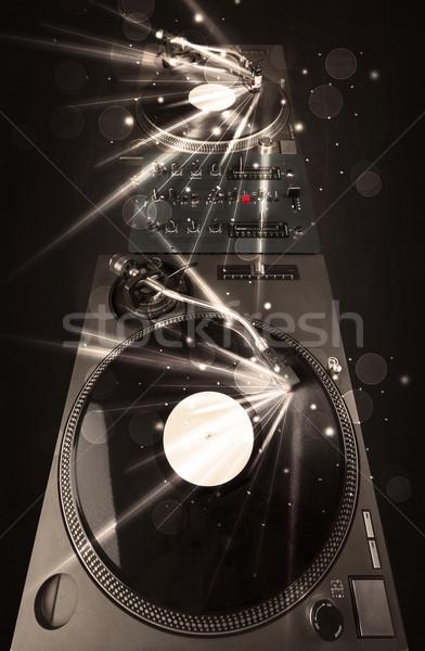 Müzik Çalar oynama vinil parıltı hatları gerek Stok fotoğraf © ra2studio