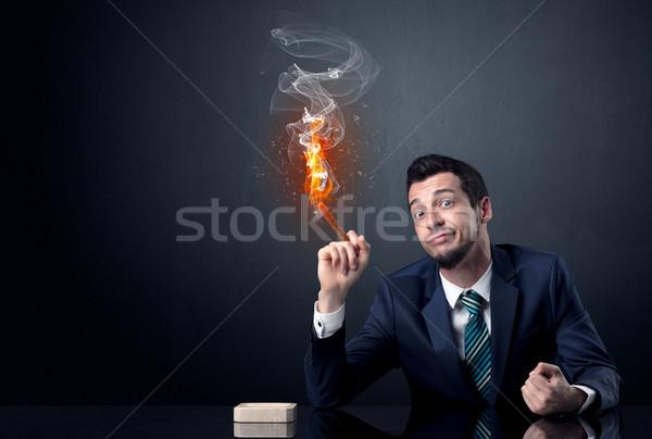 ビジネスマン 喫煙 インフェルノ 効果 手 作業 ストックフォト © ra2studio