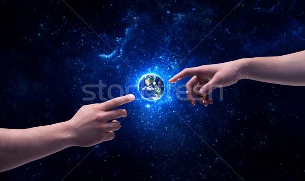 Stockfoto: Handen · ruimte · aanraken · aarde · mannelijke · god