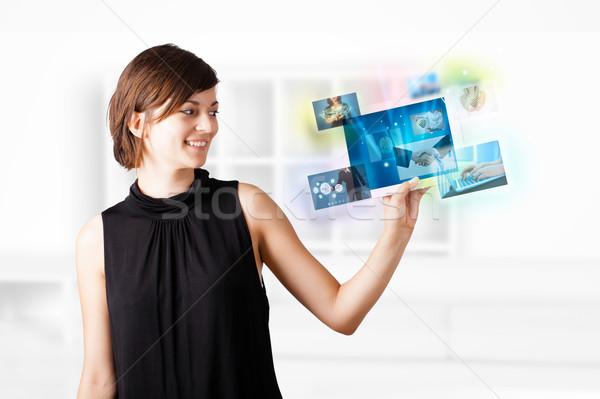 ストックフォト: 若い女性 · 写真 · 現代 · タブレット · 小さな · ビジネス女性