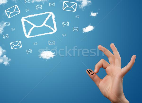 Gelukkig vingers naar mail iconen Stockfoto © ra2studio