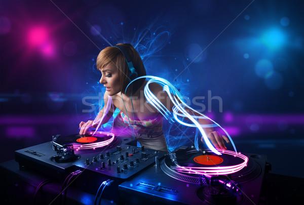 Disc jockey spelen muziek lichteffecten lichten mooie Stockfoto © ra2studio