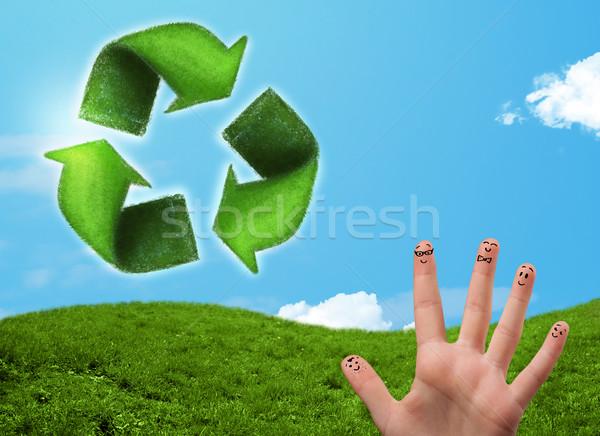 Feliz emoticon dedos olhando folha verde reciclar Foto stock © ra2studio