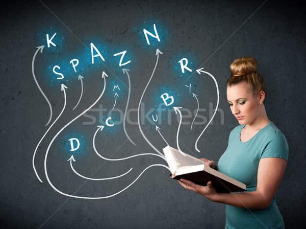 Csinos nő olvas könyv többszörös lehetőségek fiatal nő Stock fotó © ra2studio