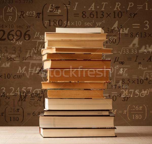 Livres vintage mathématiques formules battant sur Photo stock © ra2studio