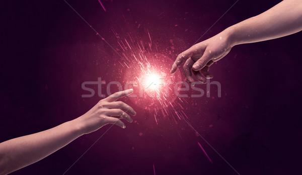 Foto stock: Tocante · mãos · luz · para · cima · espaço