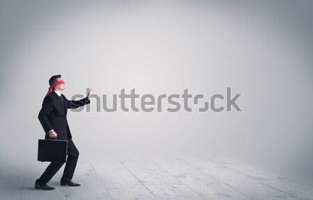 Jonge man rugzak permanente knap man stad Stockfoto © ra2studio